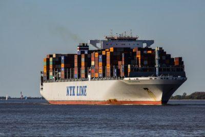 Barco carguero / Barco porta contenedores